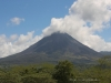 Der Volcán Arenal von der Staumauer der Laguna Arenal