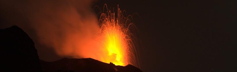 Stromboli, Eruption bei Nacht